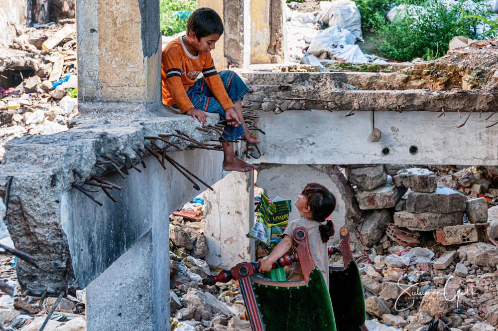 Suleymaniye Istanbul Turkey Street Children Play Inequality Poor
