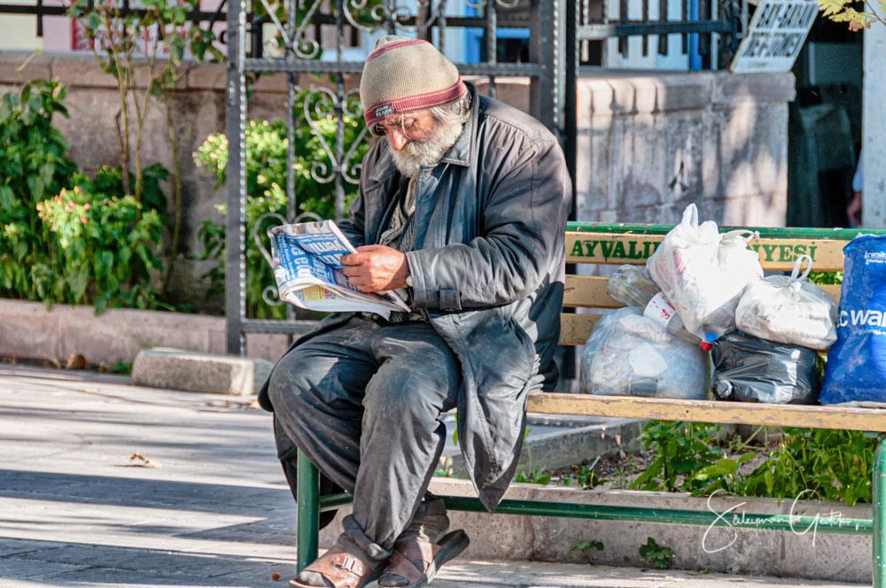 Ayvalık Balıkesir Turkey Street Old Man Inequality Poor
