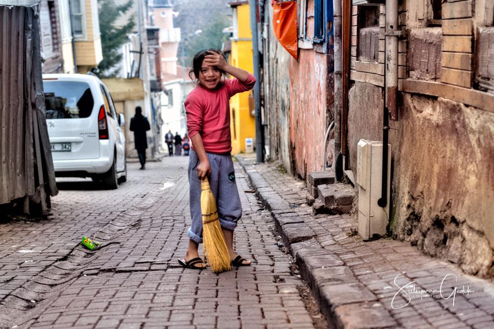 Fatih Istanbul Turkey Life Girl Poor Inequality